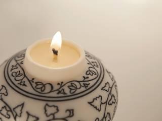 백자청화보상당초문항아리 향초: 비비스토리의