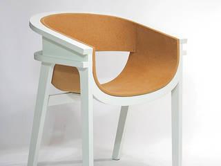 CORZA LOUNGE CHAIR: METAFAUX DESIGN의 현대 ,모던