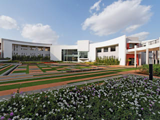 MUMBAI EDUCATIONAL TRUST (MET) BHUJBAL KNOWLEDGE CITY Rooms by ENVIRON PLANNERS