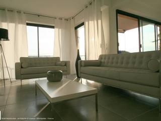 Appartement à Cannes meublé entièrement par wm Salon moderne par WM Moderne