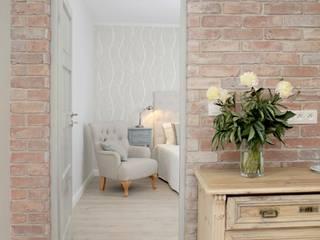 Corridor & hallway by Mocca Studio , Scandinavian