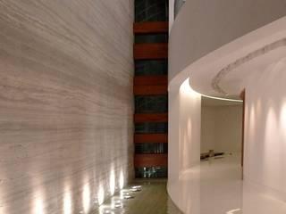 Art House, New Delhi. India Modern corridor, hallway & stairs by Morphogenesis Modern