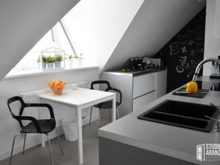Кухня в скандинавском стиле от Studio Aranżacji Agnieszka Adamek Скандинавский