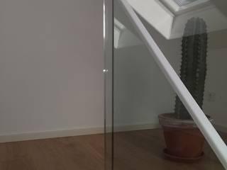 Sanierung Moderner Flur, Diele & Treppenhaus von fischerarchitektur Modern