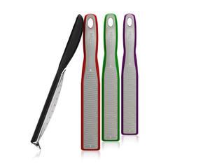 Reduziert aufs Wesentliche: Zester-Reibe im fließenden Design:   von Microplane