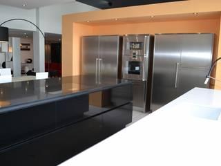 pur cuisines et interieur Cocinas de estilo minimalista