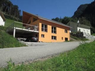 Neubau Einfamilienhaus Fam. Guenzi, 7430 Rongellen:  Häuser von marabau - Baukoordinationen GmbH