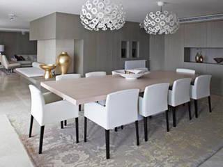 Modern Dining Room by Isa de Luca Modern