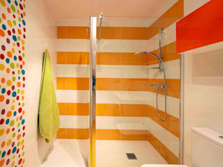 Modern bathroom by PRIBURGOS SLU Modern