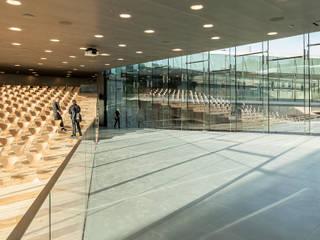 DANISH NATIONAL MARITIME MUSEUM Museus modernos por BIG-BJARKE INGELS GROUP Moderno