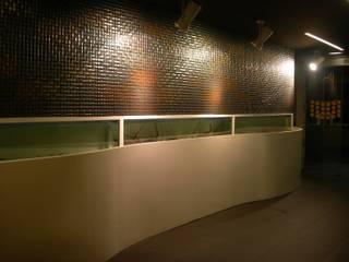 modern  by DESIGN INTERIORISMO CONSTRUCCION, Modern