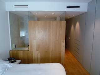 Modern style bedroom by Maroto e Ibañez Arquitectos Modern