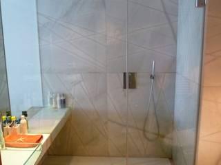 Banheiros modernos por Maroto e Ibañez Arquitectos Moderno