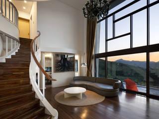 modern Living room by studio_GAON