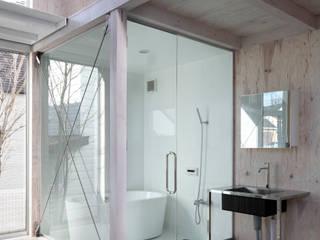 House in Kashiwa, Unfinished house Salle de bain minimaliste par 山﨑健太郎デザインワークショップ Minimaliste