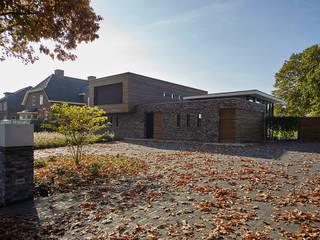 Riethoven:  Huizen door Keeris Architecten