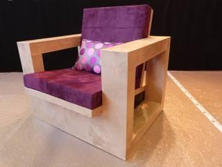 le fauteuil contemporain en carton:  de style  par la coccinelle ecolo