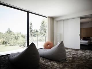 Modern Bedroom by HOME Schlafen & Wohnen GmbH Modern
