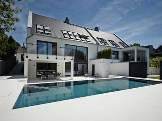 Quartos modernos por HOME Schlafen & Wohnen GmbH Moderno