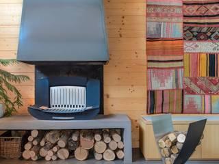 Shooting dans une maison isèroise par Sandrine Rivière:  de style  par Finoptim
