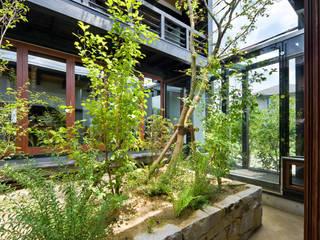 石井智子/美建設計事務所 Asian style balcony, veranda & terrace