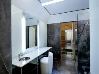 MIKVE RAJEL Pascal Arquitectos Moderne Badezimmer