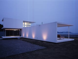 Casas modernas de 株式会社仲亀清進建築事務所 Moderno
