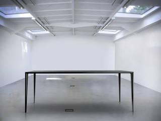 Table Elysée:  de style  par Egon Studio