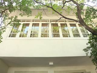 Maisons de style  par Ornella Lenci Arquitetura, Moderne