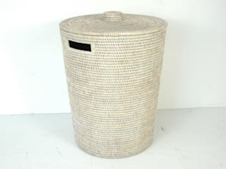 Panier à linge en rotin blanc par Baolgi