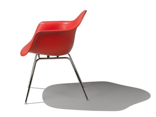 Eames Molded Plastic Chairs di Herman Miller