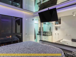 Raduan Arquitetura e Interiores Camera da letto moderna