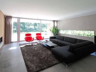 RielEstate:  Woonkamer door Joris Verhoeven Architectuur, Modern