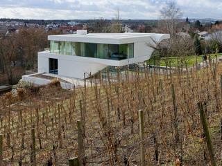 Haus am Weinberg Case in stile minimalista di UNStudio Minimalista