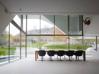 Haus am Weinberg Sala da pranzo minimalista di UNStudio Minimalista