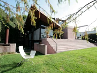 Casa Lau: Casas de estilo  por Serrano Monjaraz Arquitectos