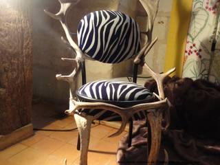 création chaise :  de style  par de l'autre côté du rideau