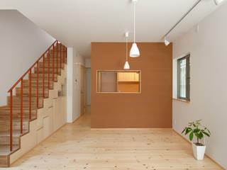中野南台の家 The house of Nakano wooden fire-resistance: 荻原雅史建築設計事務所 / Masashi Ogihara Architect & Associatesが手掛けたダイニングです。