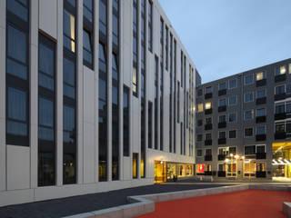 Studentenhotel Den Haag:  Hotels door HVE Architecten bv