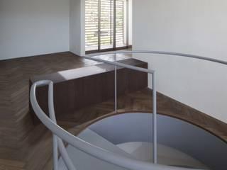 TWO 現代房屋設計點子、靈感 & 圖片 根據 MASAKI YAMADA Architecture 現代風
