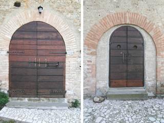 Casale GJ: Terrazza in stile  di Laura Pistoia Architetto