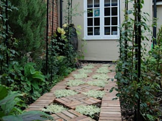 Courtyard Garden Dawn Isaac Garden Design Country style garden