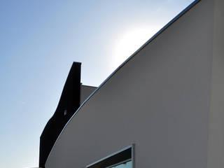 material joints - show-room arredamenti:  in stile  di pietro quatrini architetto