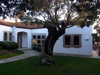 Villa Capriccioli:  in stile  di Studio Giuseppe Polese