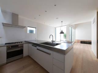 都市型アウトドアハウス オリジナルデザインの キッチン の ラブデザインホームズ/LOVE DESIGN HOMES オリジナル