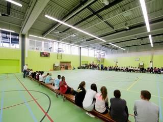 Sports Complex Strijp por Liag Architecten en Bouwadviseurs Moderno