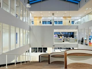 сучасний  by Liag Architecten en Bouwadviseurs, Сучасний
