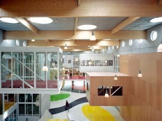 現代  by Liag Architecten en Bouwadviseurs, 現代風