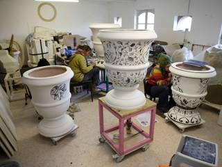 vases inspirés du XVII ème siècle , l'art du jardin par VIRGINIE COUFFIN