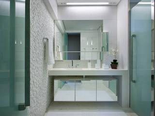 Residência Condomínio Village Terrasse:   por Gislene Lopes Arquitetura e Design de Interiores